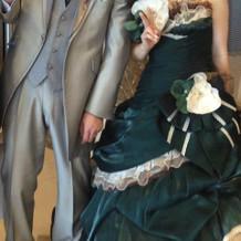 クラシカルな大人可愛いドレスを選びました