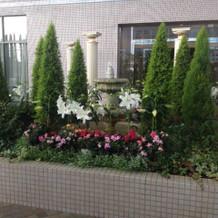 挙式後のお庭の飾り
