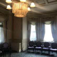 待合室。とてもかわいらしいです。