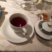 紅茶かコーヒーを選べます。