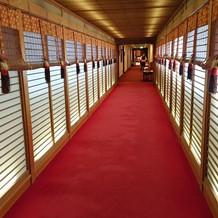 東郷神社へ続く廊下