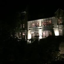 夜の迎賓館外観