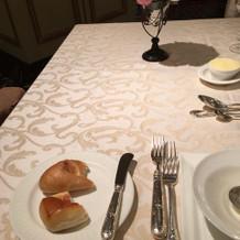パンとバター(食べかけですみません)