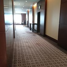 エレベーターからルナールまで。