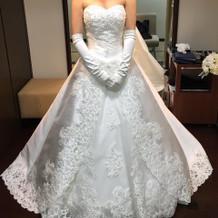 TAKAMI BRIDALのドレス