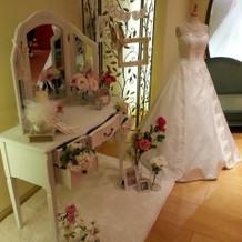 ドレスや小物が飾ってあり可愛いです