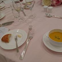 スープは薄味
