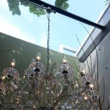 会場内は天窓が多く、自然光がよく入ります