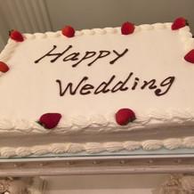 プラン内のウェディングケーキです!