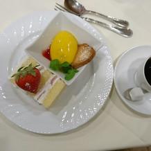 ケーキとマンゴープリン。