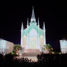 夜の教会正面