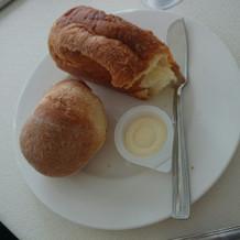 四角いクロワッサンみたいなパンが美味しい