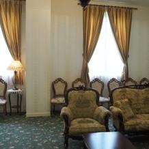 ル・トリアノン2階親族控室