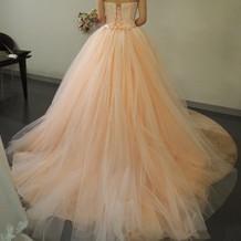 色ドレス試着2