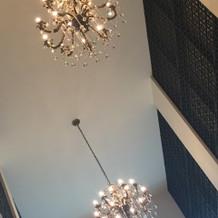 チャペルは天井が高く開放的でした。