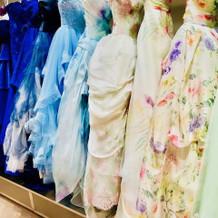 カラードレスの種類が豊富