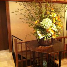 玄関横の花