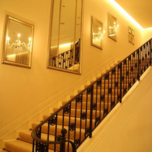 披露宴会場内の階段