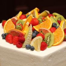 生ウエディングケーキ