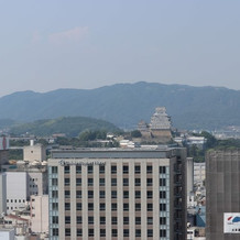建設中のクレーンがありますが姫路見えます