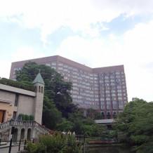 ホテルの建物です。