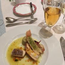オマール海老と白身魚のポワレ