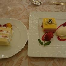 デザートとウェディングケーキ