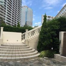 ガーデンでも階段入場ができて素敵でした
