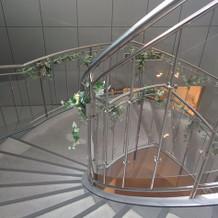 式場内の螺旋階段