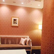 控え室なのに、こんなに可愛い部屋!