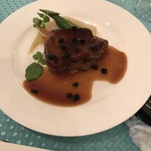 フォアグラと牛フィレ肉トリュフソース