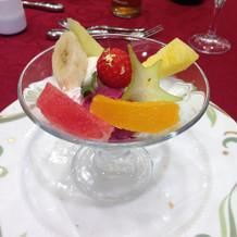 フルーツが嬉しいデザート。