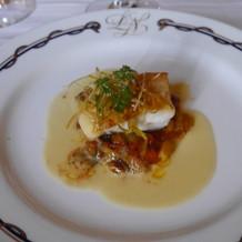 真鯛のポワレ 南仏風野菜と白ワインソース