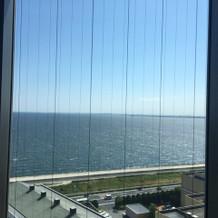 空が青いと海がよく見えます。