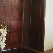 教会の扉です