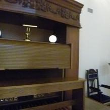 二階のパイプオルガン