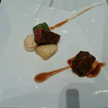 黒毛和牛ロース肉とホホ肉の盛り合わせ
