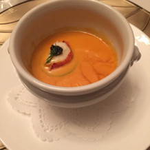 オマール海老の入ったスープ