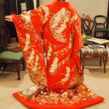 和装の試着です。基本は赤が多いです。