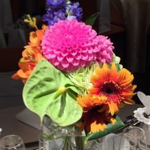 ゲストテーブルのお花の一種類