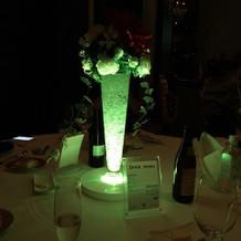 テーブルのお花が光りました