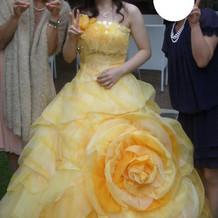 お色直しのカラードレス