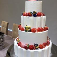 ミニオンのウェディングケーキ。
