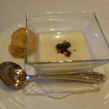 季節の野菜の冷製スープ
