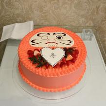 和装なので、ケーキ入刀ならず目入れ