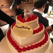 ケーキに少し装飾して華やかに