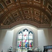 チャペルは、天井が高くてキレイでした