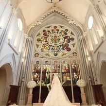 挙式を行った「セントグレース大聖堂」