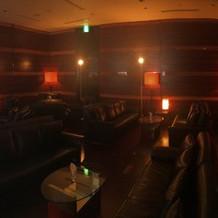 大人な雰囲気のウェイティングルームです。