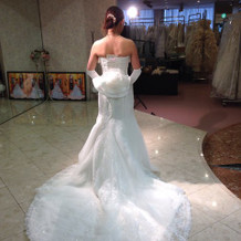 白ドレス試着7